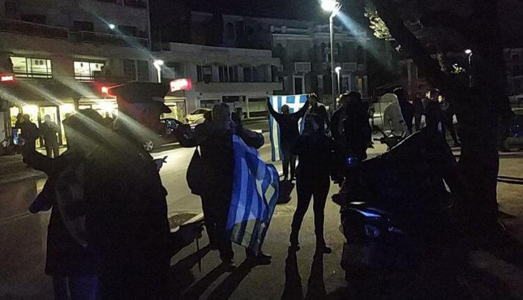 Άγριο κράξιμο και στη Βέροια στον Ν. Παππά: «Προδότες, η Μακεδονία είναι Ελληνική»