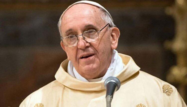 Ο αιρετικός Πάπας αποθεώνει τον Τσίπρα: «Αξίζει το βραβείο Νόμπελ για το μεταναστευτικό»