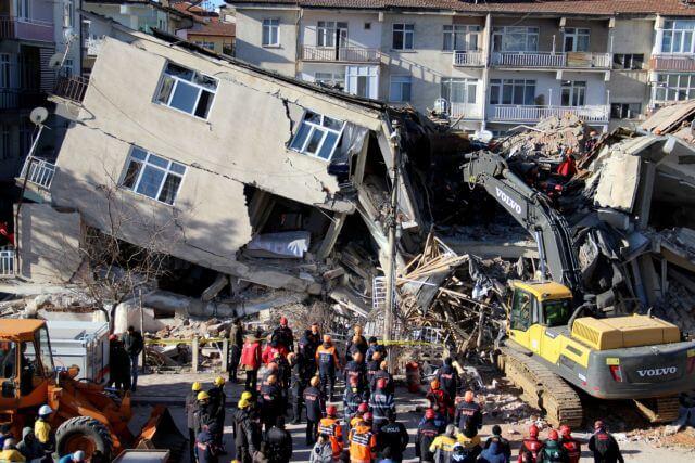 Τουρκία σεισμός: Συγκλονιστικές οι μαρτυρίες όσων έζησαν
