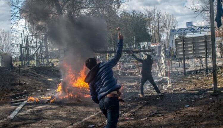 """ΕΥΠ: Ο Ερντογάν στέλνει """"Γκρίζους Λύκους"""" στα σύνορα"""