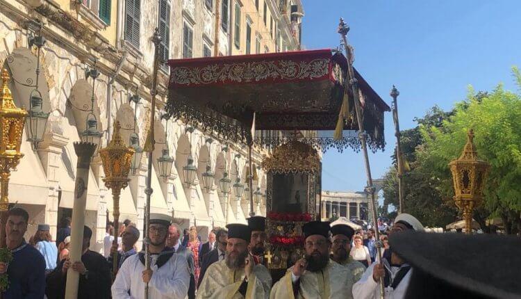Το σκήνωμα του Αγίου Σπυρίδωνα θα λιτανευθεί εντός του Ιερού Ναού