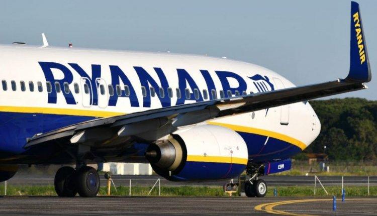 Κατέβασαν επιβάτη από αεροπλάνο όταν έλαβε μήνυμα πως είναι θετικός στον κορονοϊό