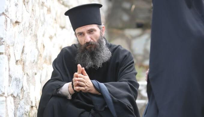 «Ο Άνθρωπος του Θεού»: Μίκι Ρουρκ και Αλεξάντερ Πετρόφ έρχονται στην Ελλάδα
