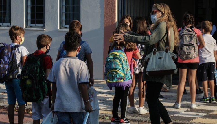 Κορονοϊός:150  τα σχολεία που θα βάλουν «λουκέτο»