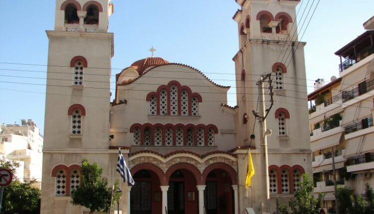 Πειραιάς : Παρακλήσεις στον Ιερό Ναό Παναγίας «Ρόδον το Αμάραντον»