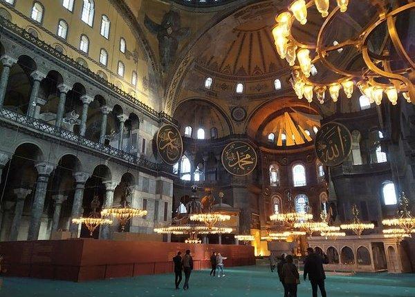"""Τούρκος Καθηγητής το λέει ξεκάθαρα: """"Η Αγία Σοφία είναι Εκκλησία"""""""