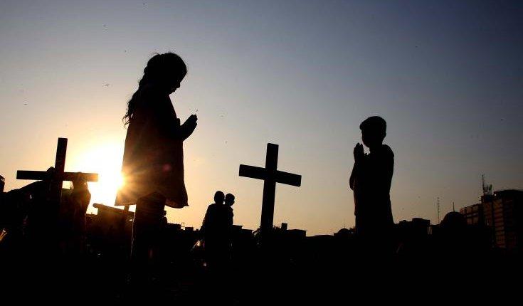 Ινδονησία: Ισλαμιστές αποκεφάλισαν και έκαψαν χριστιανούς