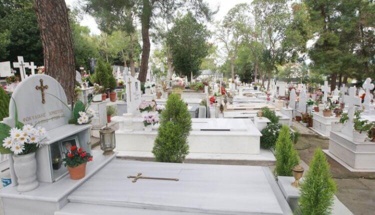 Διευκρινίσεις Ιεράς Συνόδου για όσους πεθαίνουν από κορωνοϊό