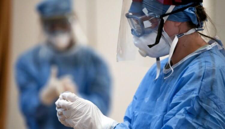 Κορονοϊός: Aυτός είναι ο ο Νο1 τρόπος μετάδοσης του φονικού ιού