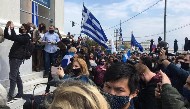 Ξεσηκωμός στη Λέσβο κατά του νέου καταυλισμού αλλοδαπών