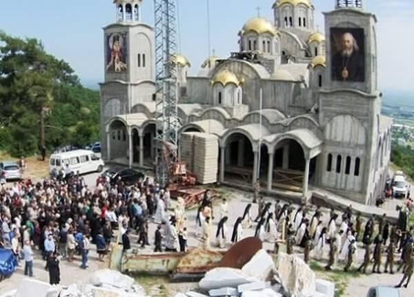Πανηγυρίζει ο υπό κατασκευή Ι.Ν. του Αγίου Λουκά του Ιατρού στην Μονή Παναγίας Δοβρά