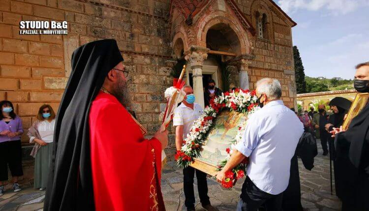 Nαύπλιο: Η περιφορά της θαυματουργής εικόνας της Ζωοδόχου Πηγής στο Βυζαντινό μοναστήρι της Αγίας Μονής