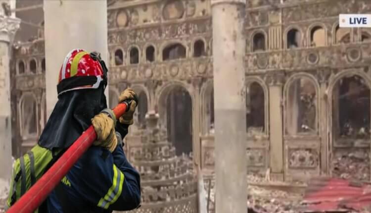 Παρανάλωμα του πυρός έγινε η ιστορική Εκκλησία των Ταξιαρχών στην Κοκκινομηλιά Ευβοίας