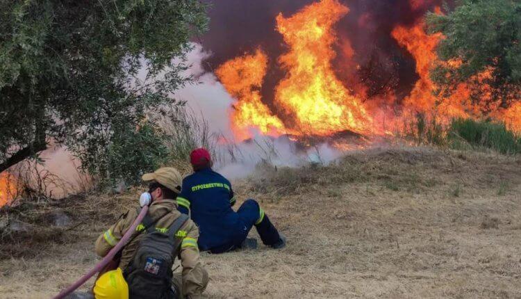 Γορτυνία – Εκτός ελέγχου τα πύρινα μέτωπα – Εκκενώθηκαν 19 οικισμοί