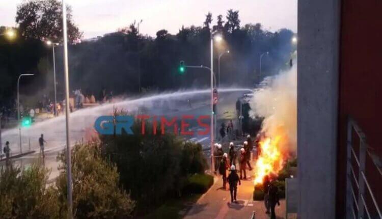 Θεσσαλονίκη – Συγκρούσεις με την αστυνομία και χημικά